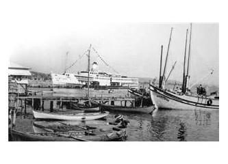 Beş balıkçı sandalı
