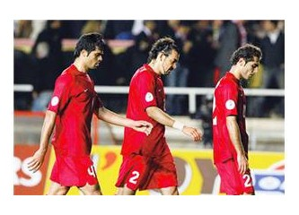 Türkiye' nin tapusunu futbolculara verelim!