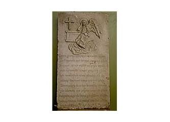 Niğde müzesinde bir epigraf