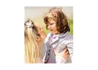 Anne ve kızı... İclal Aydın