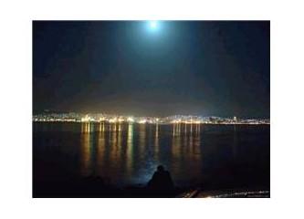 Gecenin Işıklarındaki Şehir