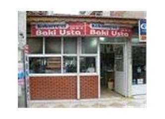 İzmir'deki 25 Yıllık Lezzet Markası: Kokoreççi Baki Usta