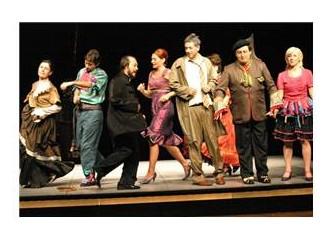 Oyun içinde oyun kurgusuyla klasik tiyatro anlayışına başarısız bir güncelleme : '' Tartuffe ''