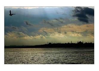 İstanbul' a ve kendine hüzünlü bir bakış ...