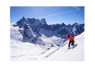"""Karda kayak başkadır.  """"anım"""""""