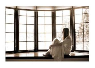 """""""Bu dünya bir pencere/her gelen bakar gider"""""""