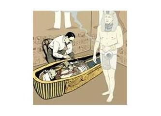 Tutankamon 'un  mücevher ile penisi çalındı !