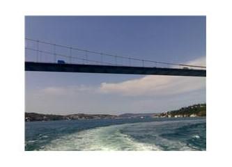 Deniz Mavisi Özlemin Şimdi Bir Düş Oldu Anılarda, Ey Güzel İstanbul !