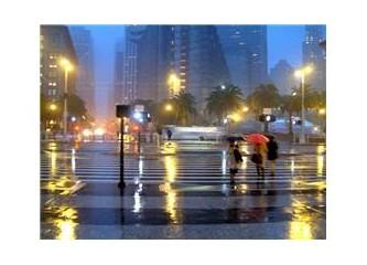 Yağmurda kalmış çocukluğum