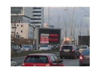 Ankara'da bu sabahın sürprizi reklam panolarındaydı