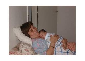 Benim cennetim  'Canım Annem'