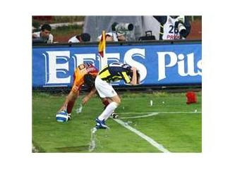 Futbol tarihinde sarı kırmızı bir leke