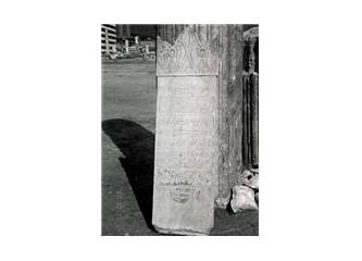 Zübeyde Hanımın mezar taşı...!