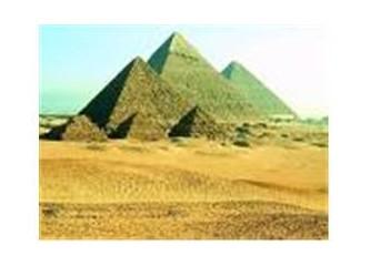 Bir garip seyyah oldum firavunlar uğruna…