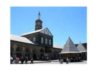 Dinlerin kesişme noktası Diyarbakır