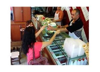 Beşiktaş'ta bir Roma Dondurmacısı