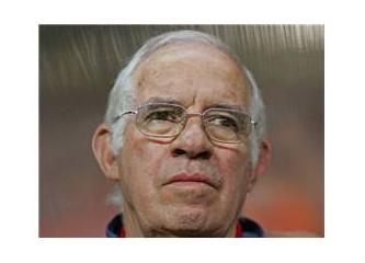 Futbol takımımızın yeni teknik direktörü kaç yaşında olmalı?