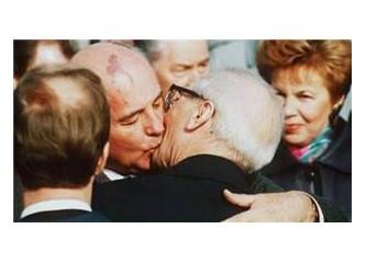 Feodal Akit Ritüeli: dudaktan dudağa öpücük...