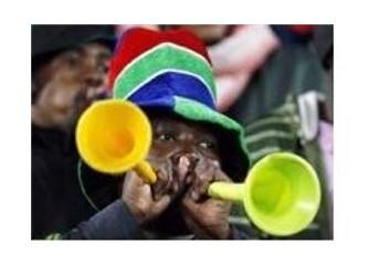 Dünya Kupası'nda izleyiciye vuvuzela işkencesi!...