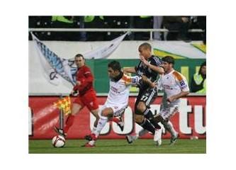 Kazananı olmayan derbi: Beşiktaş: 1 - Galatasaray: 1