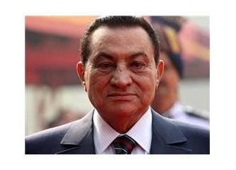 Birbiri ardınca gelen ve ülkelerini kana bulayan diktatörler…