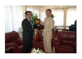 Japon Elçisi Tanaka'dan, Vali Güzeloğlu'na ziyaret