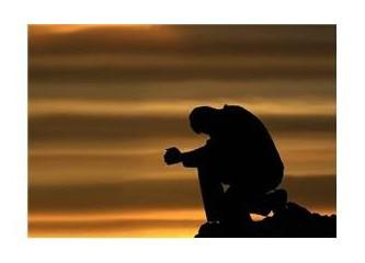Sessizliğine yalvardım gecenin, dinler mi beni.