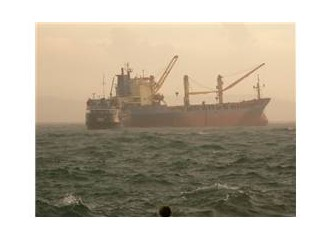 Fırtına ve çarpışan gemiler