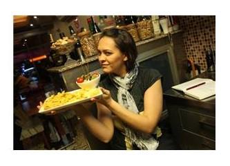Cafe Kaave'de salata yapmayı öğrendim