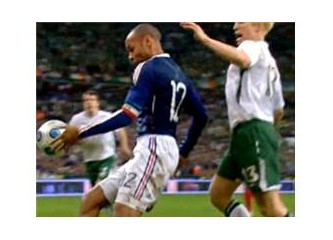 """""""Tanrı'nın Eli, Henry'nin Eli"""" ...Ve futbol Fransa'nın kursağında kaldı!"""
