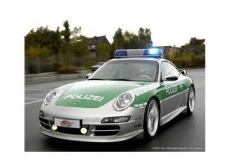 Almanlar ve arabaları