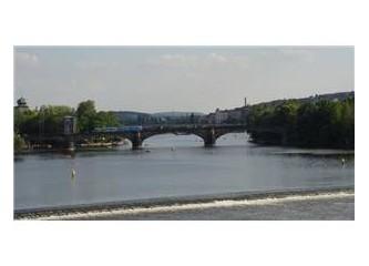 Prag Nehri Akmam Diyor