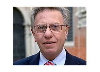 """Venedik Komisyonu Başkanı Buquicchio'dan """"sivil dikta"""" dersleri..."""