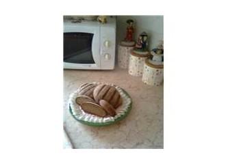 Sade ve cevizli çavdar ekmeği