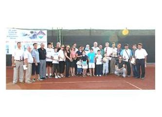 Mersin'in, Silifke ilçesinde tenis yaygınlaştı