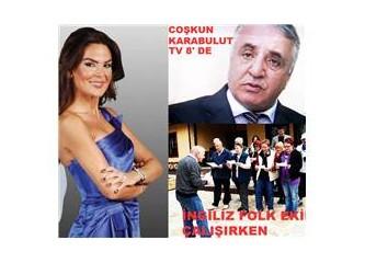 Türkçe bilmez; türküleri Türkçe. Turist geldiler, folklörcü oldular.