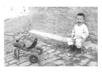 Bombacı çocuk