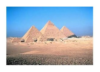 Sanat Hazineleri (Gize Piramitleri)