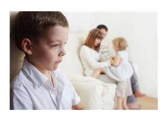 Kardeş kıskançlığını Önlemenin Sağlıklı Yolları