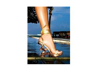 Hadi topuklu ayakkabının tarihini kurcalayalım ;)