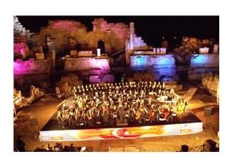 Antalya Devlet Opera ve Balesi Orkestrasından müthiş Cumhuriyet Bayramı konseri