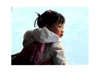 Beyaz yakalı Çinli bayan