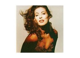 ''Angela Dimitriou'' Bodrum'da hayırlı bir konser verdi.