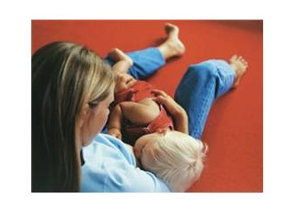 Bir Başkasının Bebeğini Emzirir misiniz?