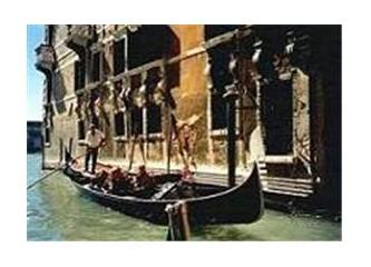 Venedik Gondolları