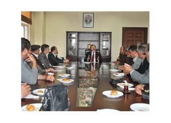 Mersin Akdeniz Belediye Başkanı Türk, muhtarları dinledi...