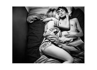 Rüyada Sevgiliyle Aynı Yatakta Uyumak
