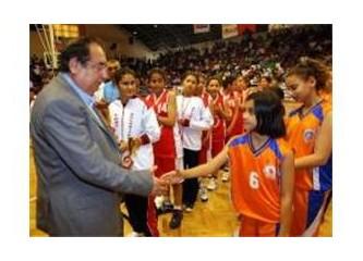 Mersin Büyükşehir, hizmetin yanı sıra sporda büyük başarılara imza atıyor...