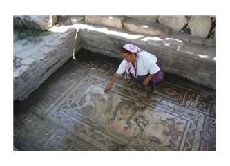 Anavarza'nın Tarihi mozaikleri yok oluyor