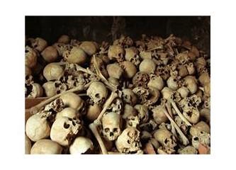 Tarihin en acımasız diktatörlerinden birisi olan Pol Pot ve Kızıl Kmerler